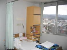 野坂山が見えるお部屋があります。